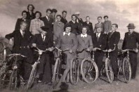 Old bicycle team